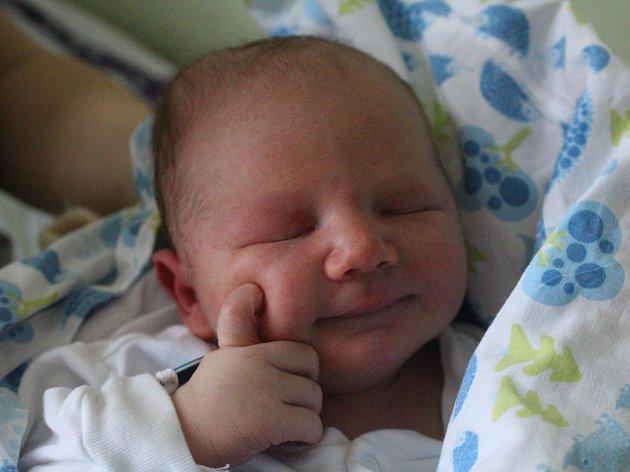 Tadeáš Žiak se narodil Adéle Rychtecké ze Starého Šachova 8. listopadu ve 13.10 v děčínské porodnici. Vážil 3,3 kg.