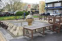 Kašny v Děčíně se již chystají na léto, město je čistí a postupně spouští.