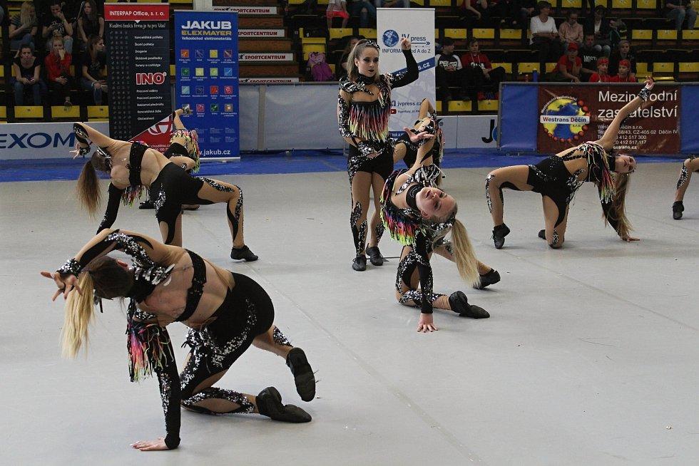Na taneční soutěž Dance Děčín 2019 dorazily stovky malých tanečníků.