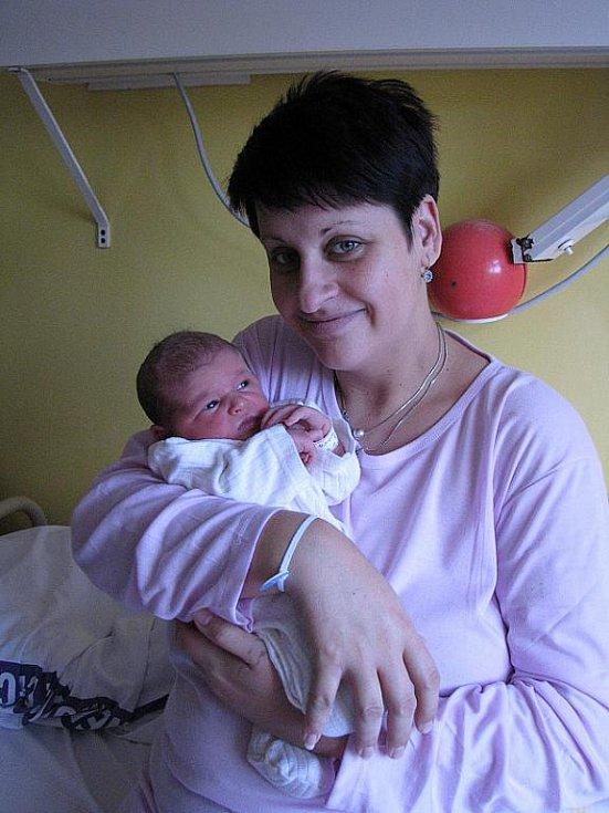 Mamince Lence Bédiové z Děčína se 12. října v 12.19 narodila v děčínské nemocnici dcera Beátka Bédiová. Měřila 52 cm a vážila 3,39 kg.
