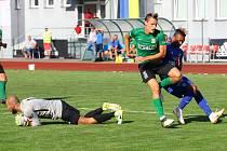 REMÍZA. Varnsdorf (v modrém) remizoval se Sokolovem 0:0.