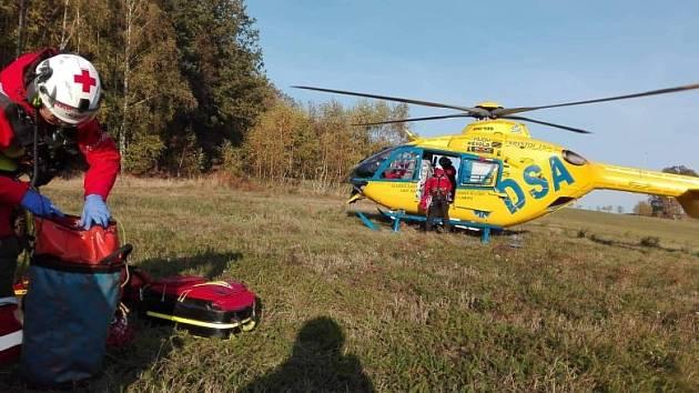 Na místo dorazil také záchranářský vrtulník