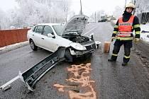 Nehoda osobního auta u Studánky