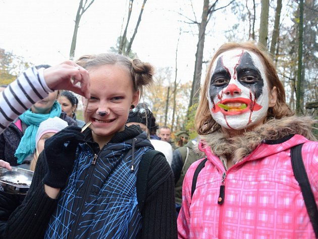 Do děčínské zoo se přišlo bát více než 1400 lidí.