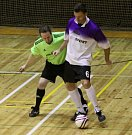 VETERÁNSKÁ SOUTĚŽ JDE DO FINÁLA. Sportovní hala ve Varnsdorfu hostila poslední kolo před finálovým turnajem.
