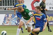 BRAVO! Fotbalisté Varnsdorfu (v modrém) vyhráli 2:1 v Jablonci.