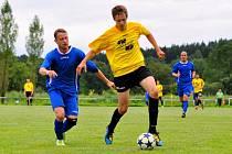 TRADIČNÍ DUEL. Fotbalisté Vilémova nastoupili v nekompletní sestavě a nakonec udolali Šluknov 1:0.