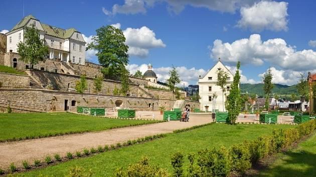 Zámecké zahrady v Děčíně.
