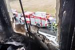 V domě Dolním Podluží v jednom z bytů hořelo