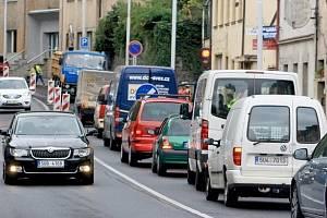 Uzavírka v Teplické ulici v Děčíně. Ilustrační foto.