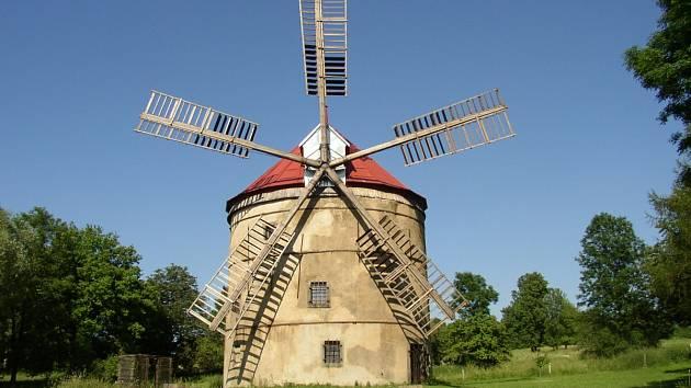 Výlet k větrnému mlýnu Světlík.