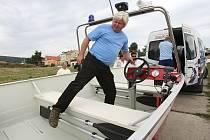 Nový, výkonný člun získali dobrovolní hasiči z Horního Žlebu.