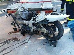 Při bouračkách zemřel motorkář