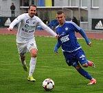 DERBY. Fotbalisté Varnsdorfu (v modrém) doma porazili Ústí nad Labem 1:0.