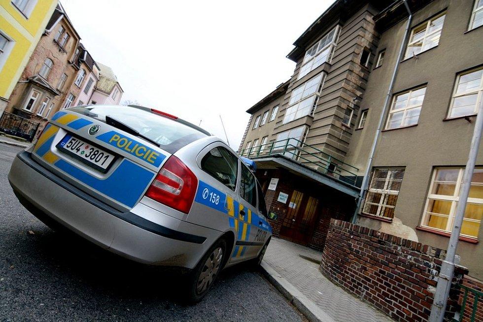 Policie si odvezla dokumentaci z Lužické nemocnice.
