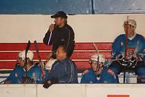 Nadstavbovou část zahájí děčínští hokejisté v neděli domácím střetnutím se Stadionem Kutná Hora.