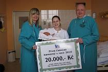 První miminko dostalo šek