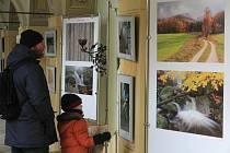 Více než tři desítky fotografií známých i méně známých míst z Jizerských hor nabízí výstava Zaostřeno na Jizerky. V ambitu Lorety Rumburk je k vidění do 22. února.