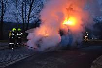 Požár dodávky v Modré.