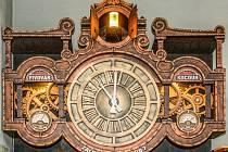 Orloj v Pivovaru Kocour.