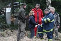 Na místo neštěstí ve čtvrtek dorazili hasiči, policisté i záchranáři. Muži však již pomoci nemohli.