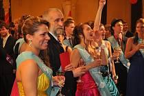 Maturitní ples tříd E4A, E4B, L4, T4 a D4 proběhl 27. ledna 2012 ve společenském domě Střelnice.