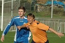 DERBY PŘEKVAPILO. Jílové (v oranžovém) totiž doma prohrálo 0:1 s Českou Kamenicí.