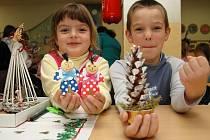 Děti prodávaly své vlastní vánoční výtvory