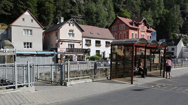 Paradox. Nejbohatší vesnice na Děčínsku má největší počet dlužníků v exekuci.