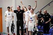 RADOST - děčínští basketbalisté vyhráli ve Svitavách.