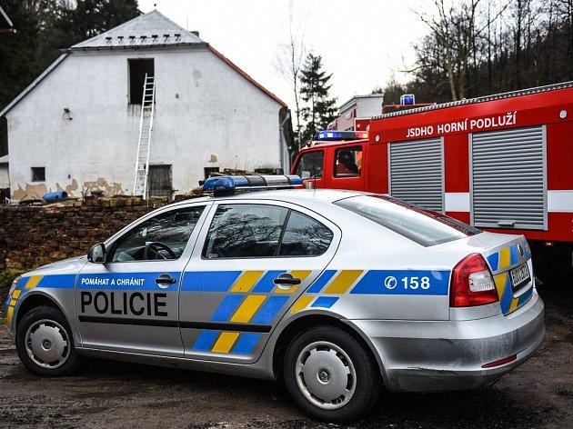 Při požáru domu ve Varnsdorfu objevili pěstírnu.
