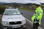 Policie měří rychlost v Ludvíkovicích.