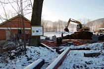 Práce na čističce odpadních vod a kanalizaci již měly být dávno hotovy.