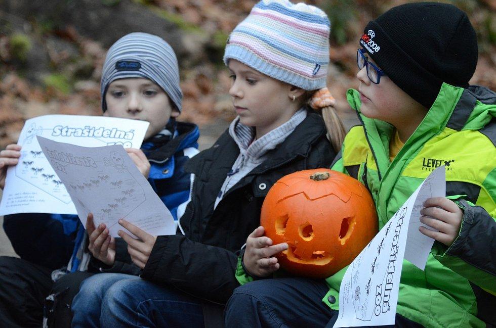 První listopadová sobota v děčínské zoo patřila oblíbené akci s názvem Strašidelná zoo.