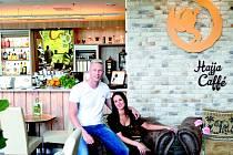 MAJITELÉ Hajja Caffé v Centru Pivovar v Děčíně Michal a Adéla.