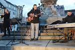 DĚČÍN ZPÍVAL na Masarykově náměstí.