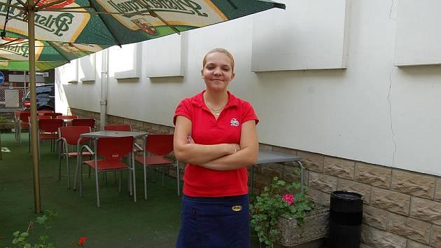 Lenka Procházková, číšnice