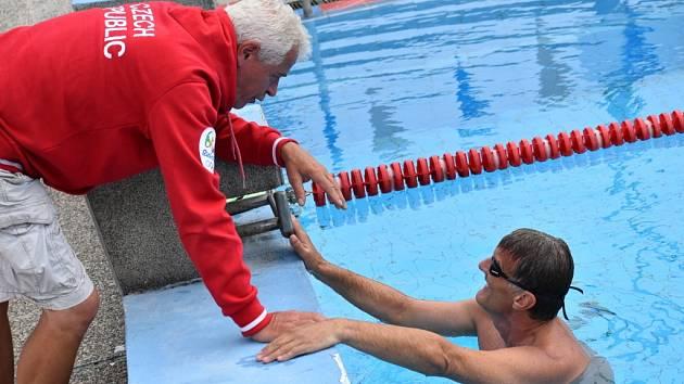 Miroslav Smrčka s trenérem Petrem Budínským.