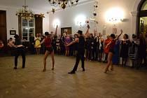 Zámecký ples města Jílové.
