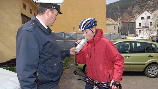 Alkohol v krvi testují dopravní policisté