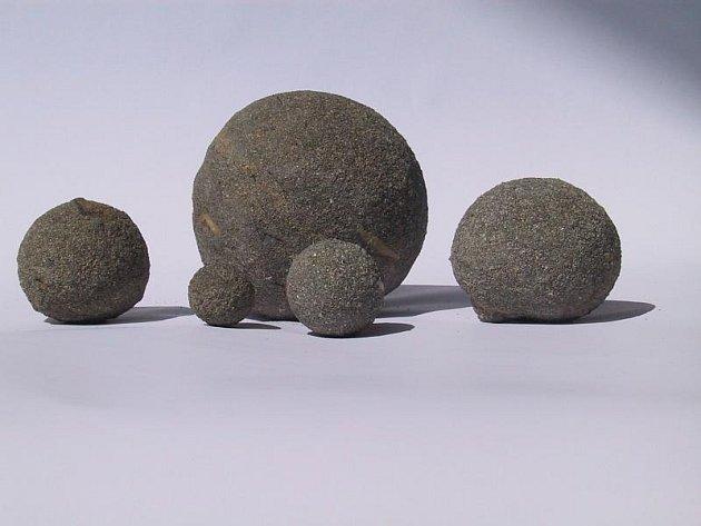 Útvary z markazitu a pyritu většinou nedosahují takové tvarové dokonalosti, jako na těchto snímcích.