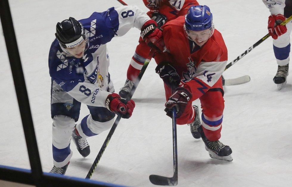 DĚČÍN VIDĚL REPREZENTACI. Česká hokejová reprezentace U 19 nestačila v Děčíně na Finsko a prohrála 1:2.