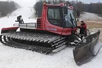 Přípravy na lyžování v Horním Podluží.