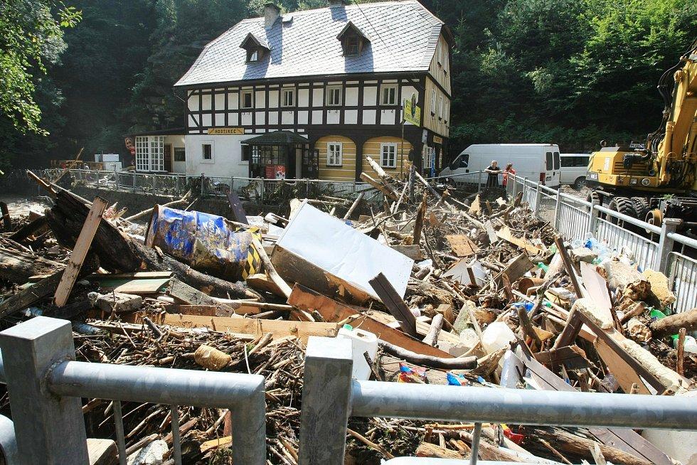 Povodně v srpnu 2010 zničily Hřensko.