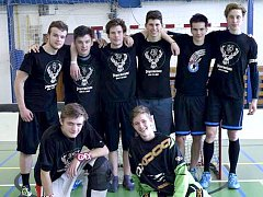 VÍTĚZEM Florbalového Děčína se stal mladý Jägermeister team, který ve finále vyhrál 5:4.