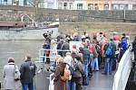 Obřad přilákal v Děčíně k Labi davy lidí