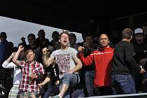 RADOST. Zástupci FK Rumburk se radují při zápase Šluknov - Hrobce.