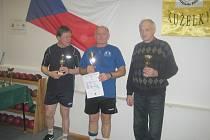 TŘI NEJLEPŠÍ. Zleva  Polášek z Jiskry Rýmařov, uprostřed vítězný Kumstát, vpravo třetí Neuverth z Baníku Ostrava.