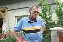Obyvatelé Chlumu, nové čtvrti Děčína, si budou muset nechat udělat změny v dokladech, Jedním z nich je i Lubomír Oliva