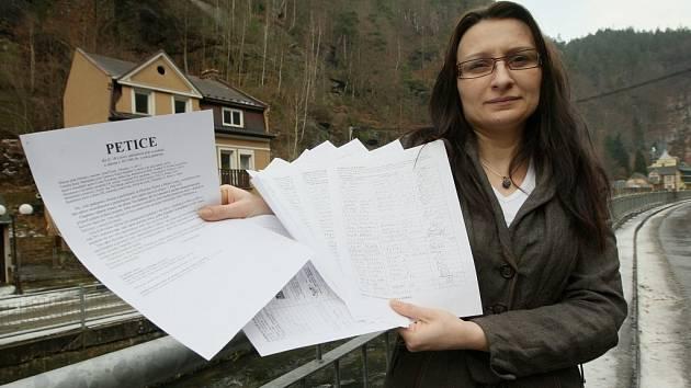 PETICE. Majitelka jedno z hřenských hotelů Kateřina Horáková je iniciátorkou petice proti uzavření silnice.